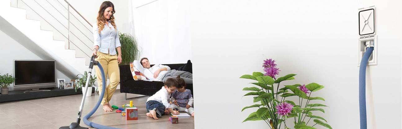 Un flexible rétractable dans le salon, c'est pratique. Rayon d'action de 100 à 160 m² suivant sa longueur et il se range tout seul dans le mur.